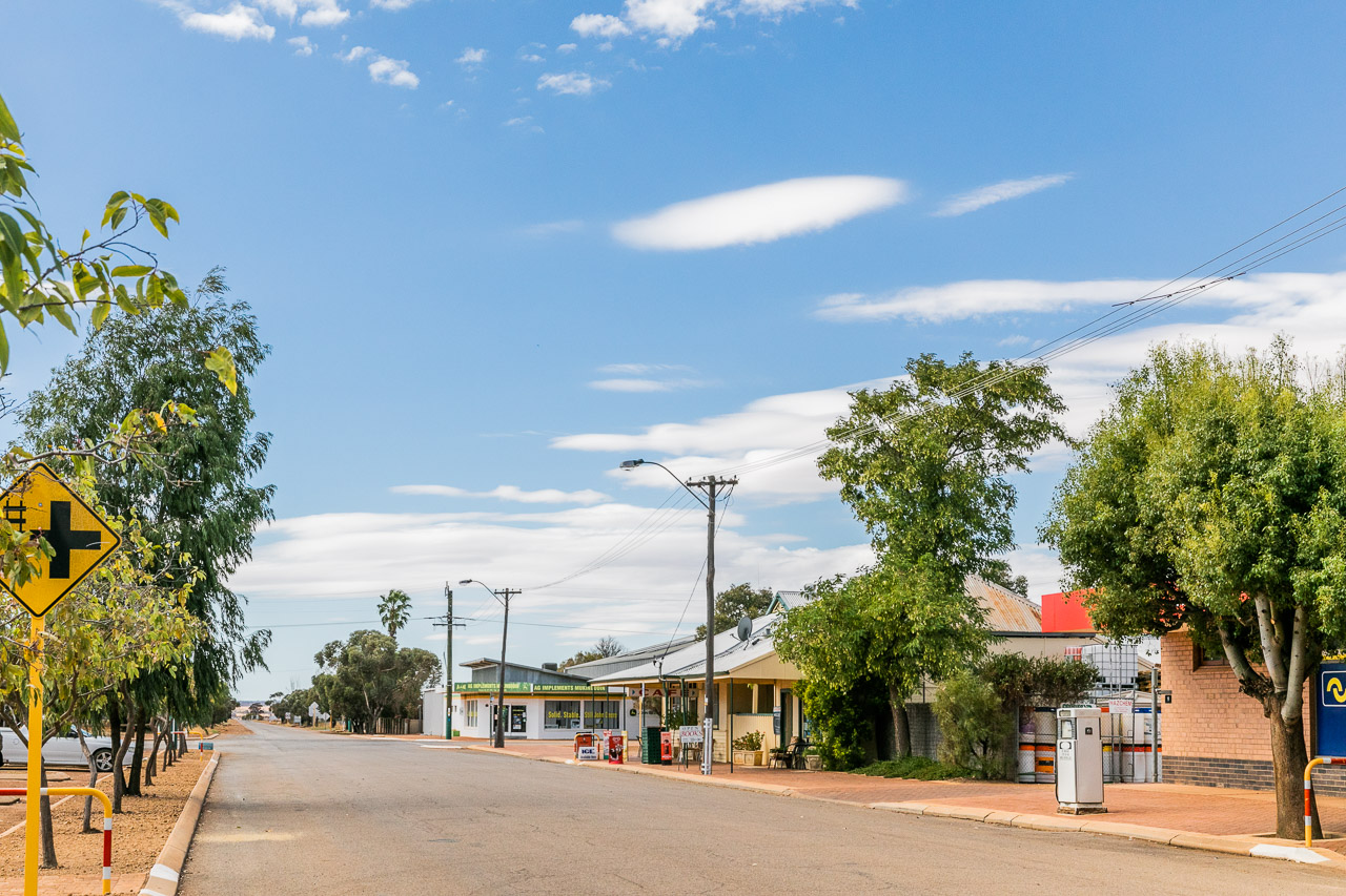 The quiet town centre of Mukinbudin, WA