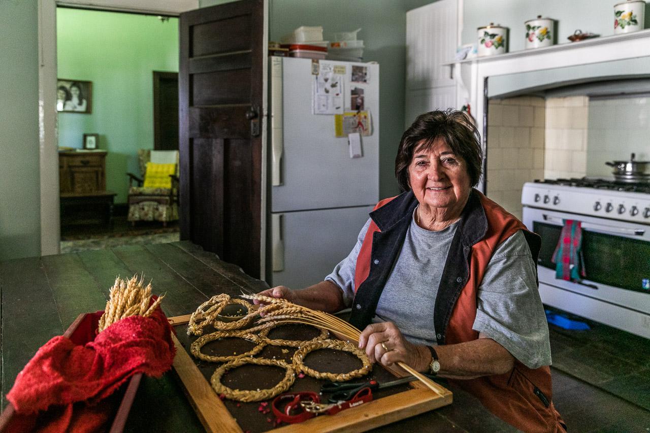 Lesley McNee, creator of corn dolly art in Koorda