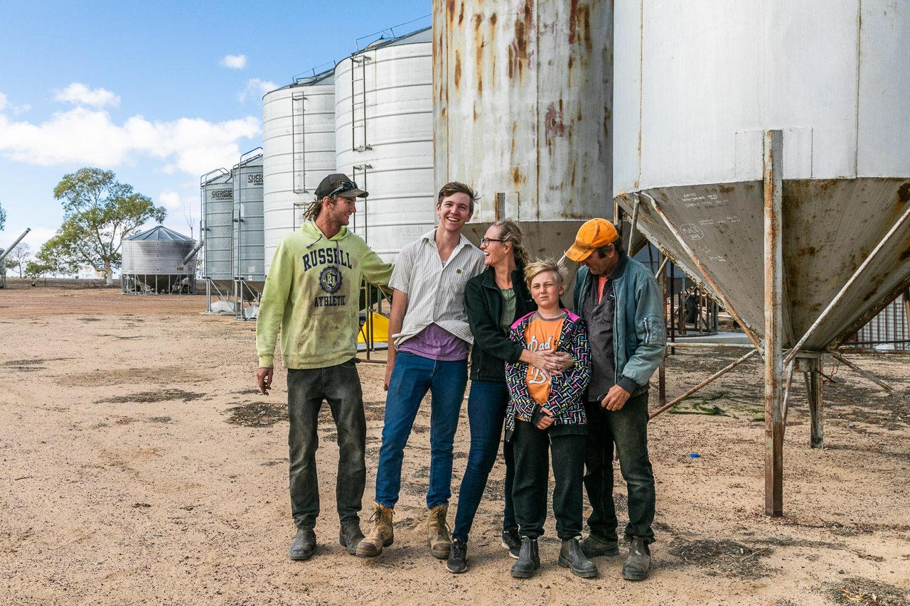 Family photo session in the Wheatbelt