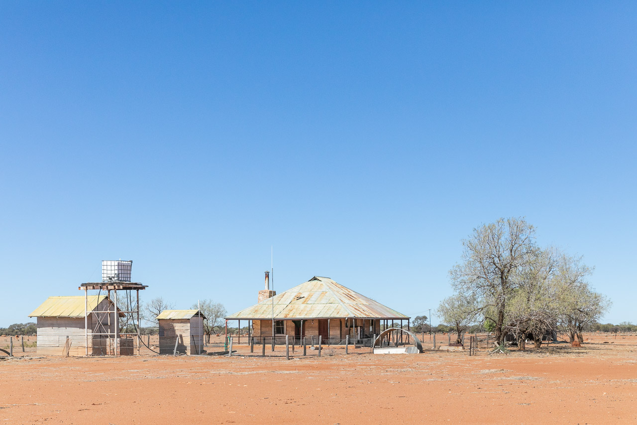 The now unused shearers quarters at Calaminda Station in Yalgoo