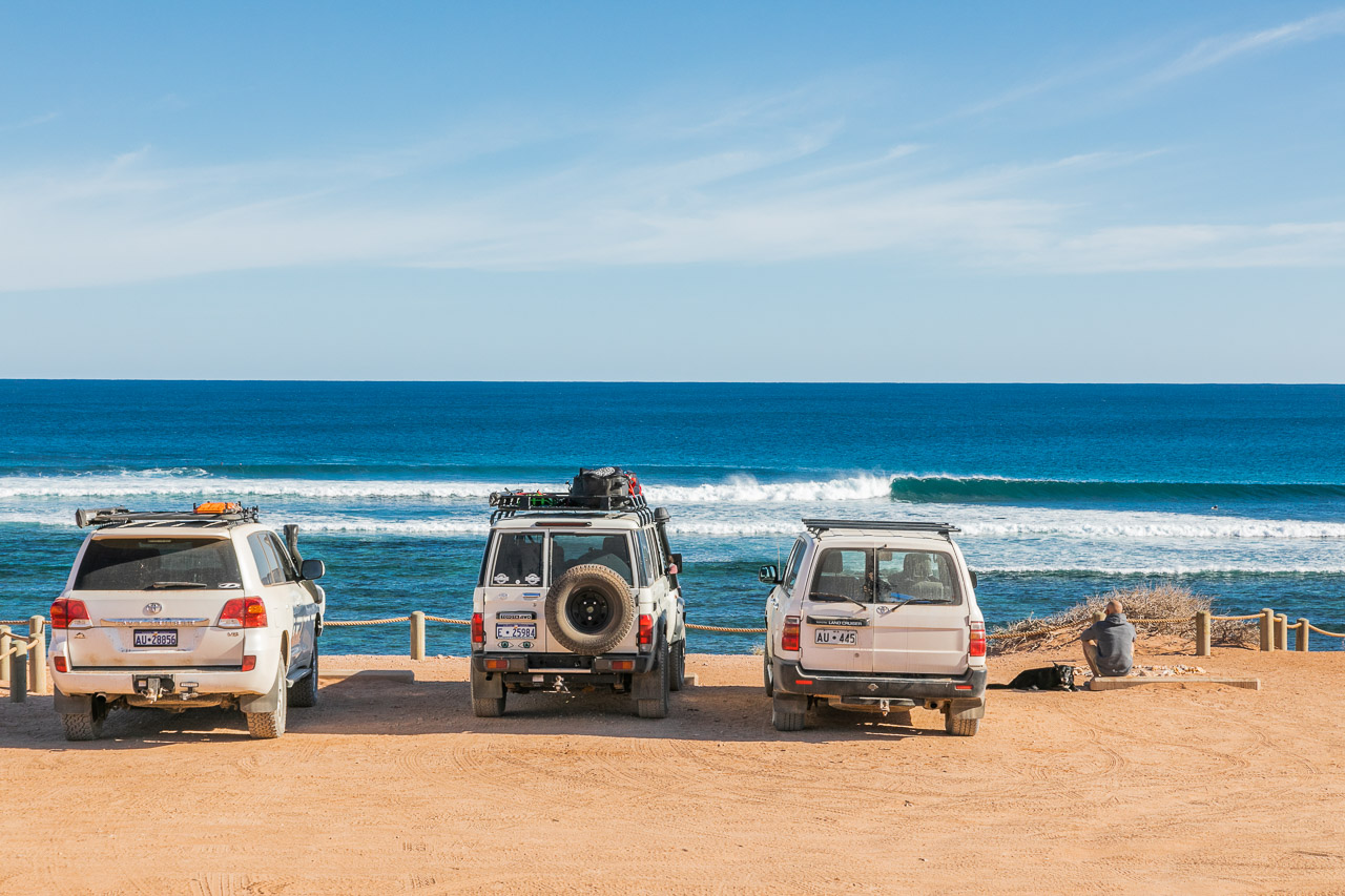 Watching the surf in the tombstones car park at Gnaraloo Station