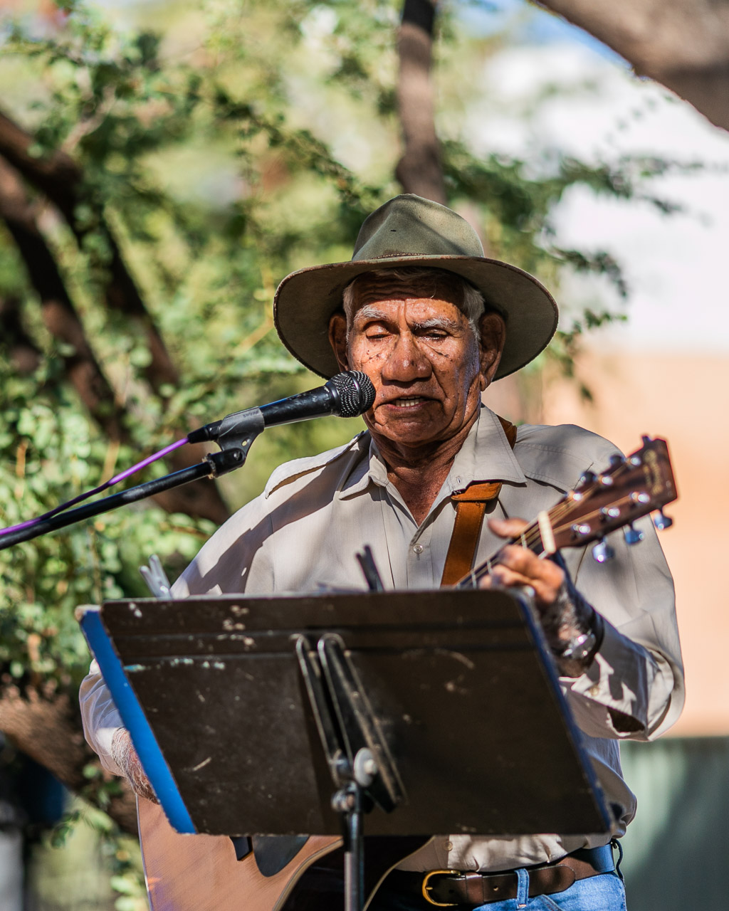 A veteran of 26 Tamworth Country Music Festivals, 'Mr Kimberley' Sam Lovell was a crowd favourite at the Derby Bush Poets Breakfast