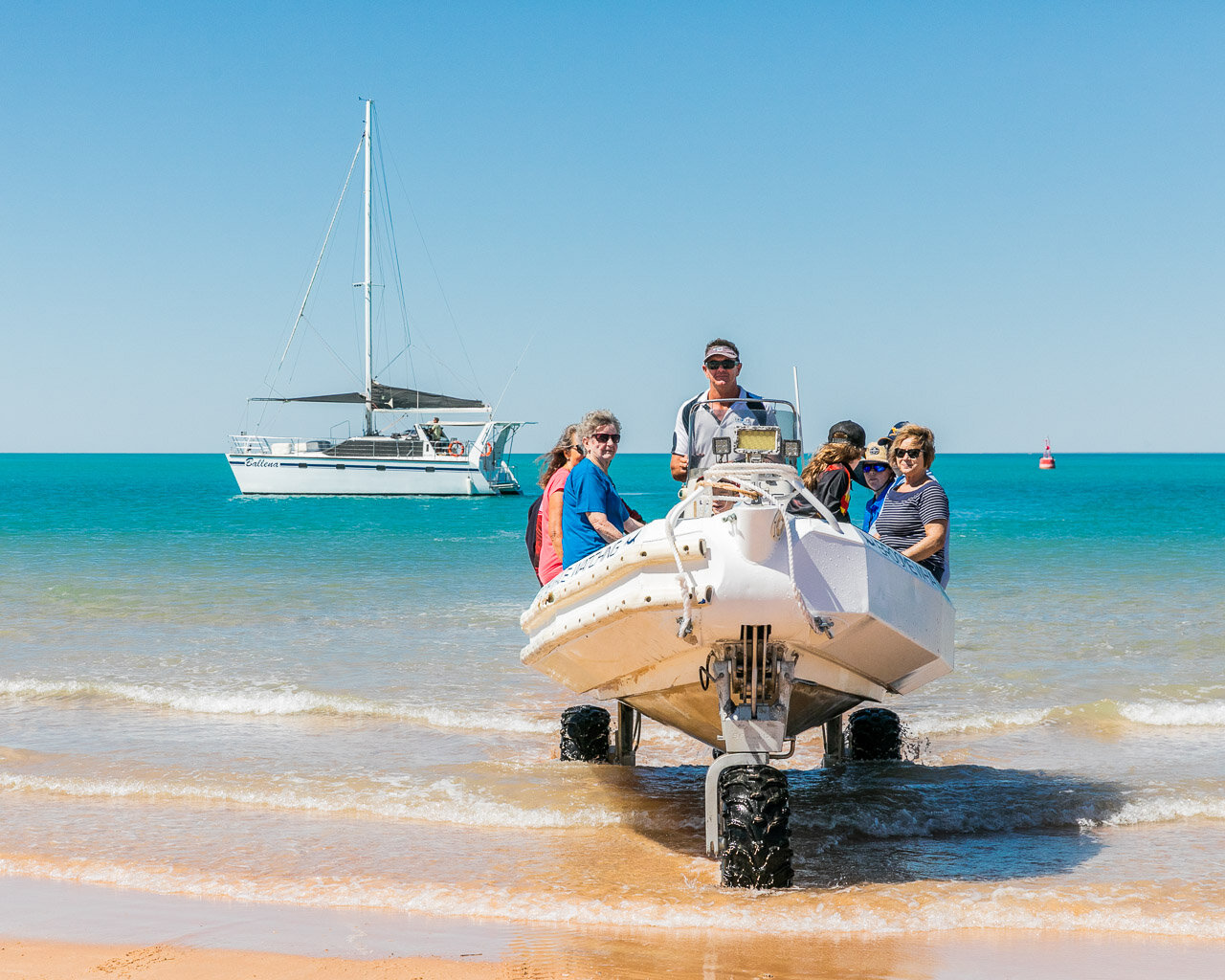 Cam of Broome Whale Watching ferrying passengers back to shore in their amphibious boat