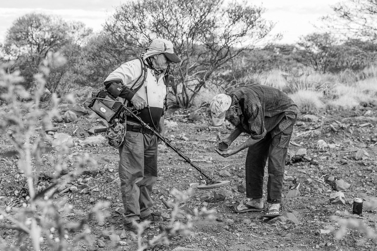 Gold prospectors in the Pilbara