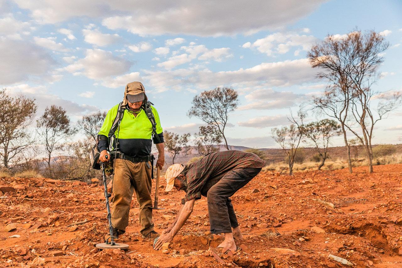 Teamwork of two gold prospectors near Paraburdoo, WA
