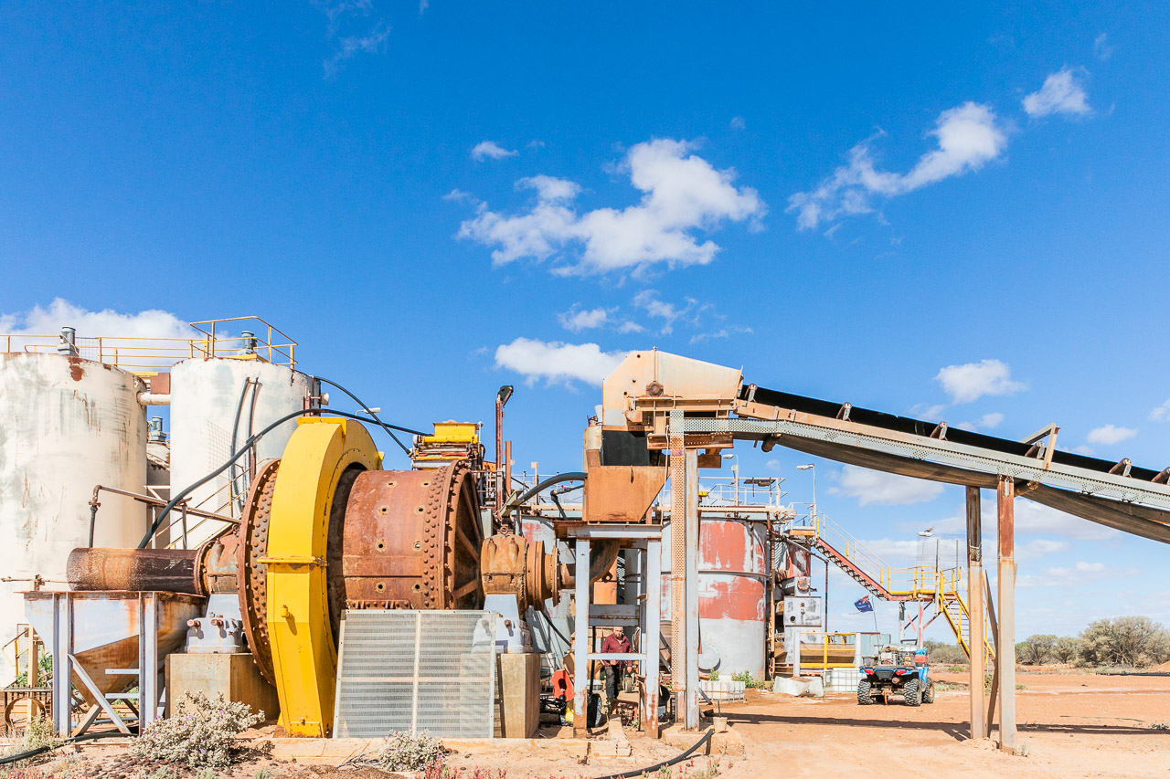 A gold processing plant or mill near Cue