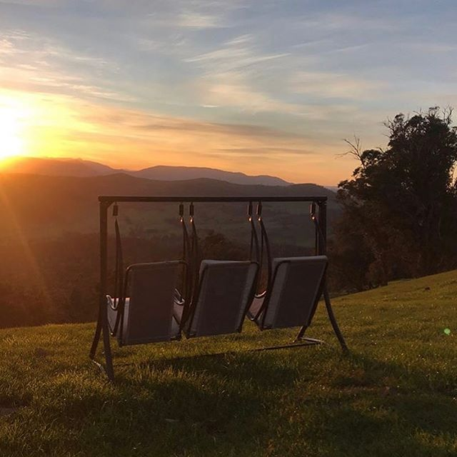 This is one of the things that delights our guests, not to mention our obsession with the sunrise views! 📷 cred @bente_grysbaek 🙏♥️ * * * * * * * * ________________ #elevation652 #seehighcountry #melbourniseme #farmstaybnb #northeastvictoria #getaway #weekendsinthecountry #countrylife #visitkingvalley #winecountry #skyvineyards #proseccocountry #redbankwines #australia #eco #topoftheworld #views #winetime #winery #countryescape #countryliving #beautifulaccommodatio #sunrise #freshair #wanderlust #timeout #weekendgetaway #sustainable #vineyard #wine