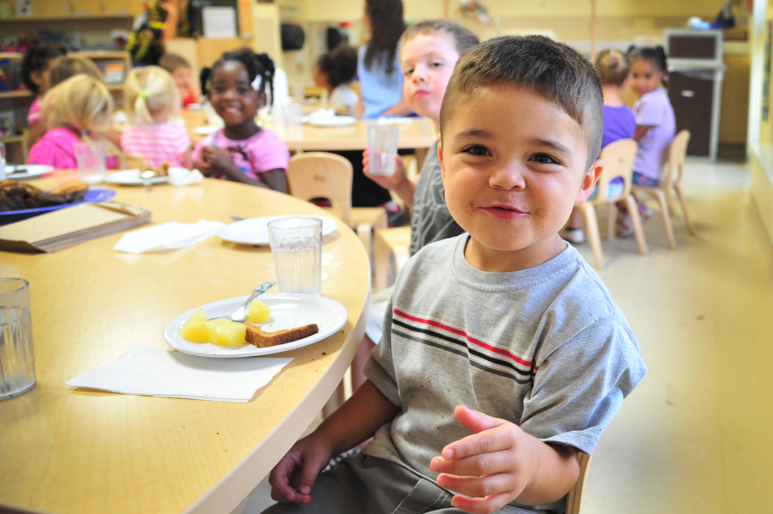 Lunch Time - Parents are welcome to eat with their children beginning Sept. 4.Kinder: 10:05 - 10:35 First: 10:40 - 11:10Second: 11:15 - 11:45 Third: 11:55 - 12:25Fourth: 12:25 - 12:55 Fifth: 12:55 - 1:25Apply for free or reduced lunch here.Fill up meal bank here.Set spending restrictions here by filling out the form, printing it out and bringing it to the school.