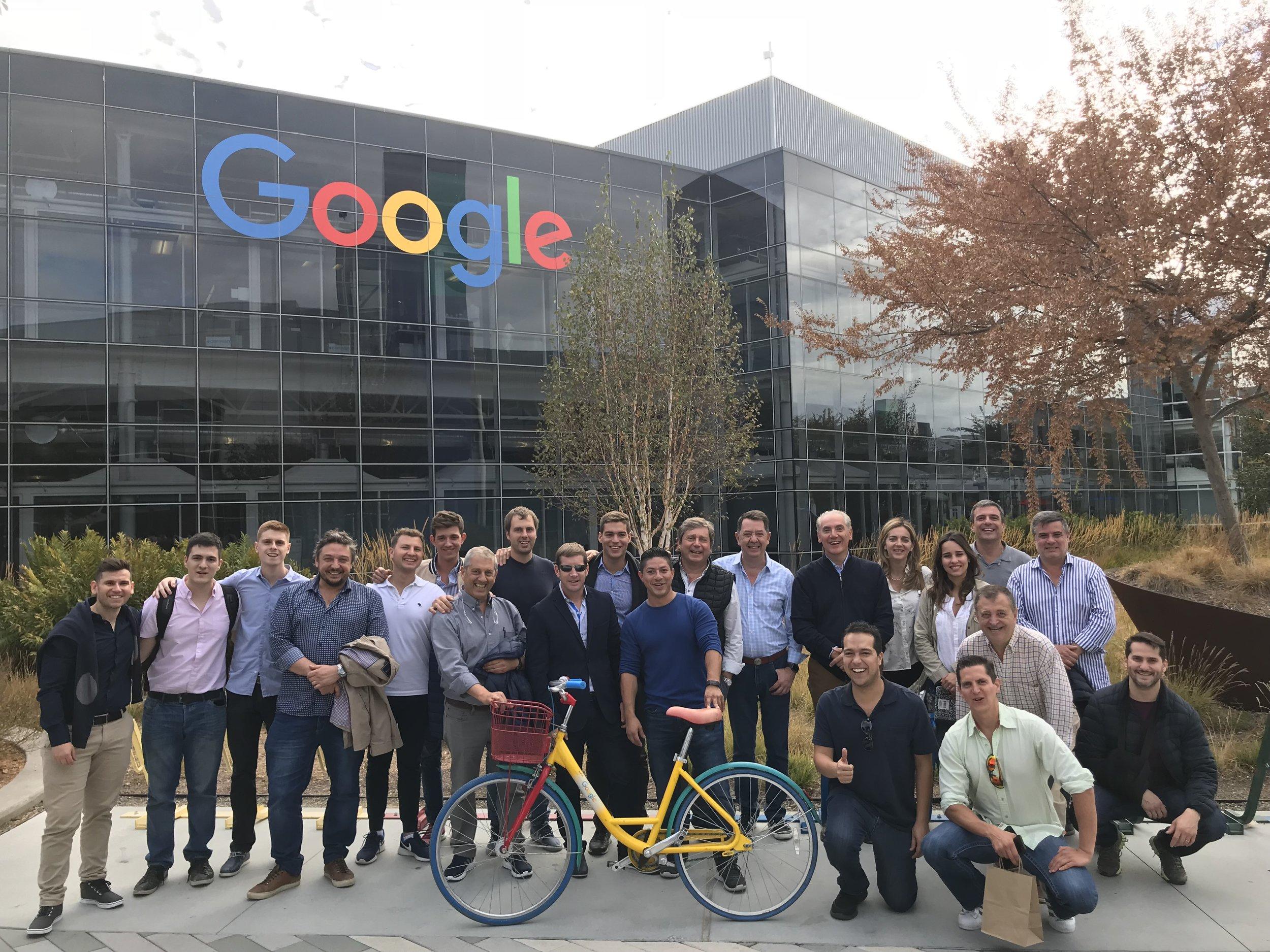 Foto con un grupo de Argentina en las oficinas de Google.