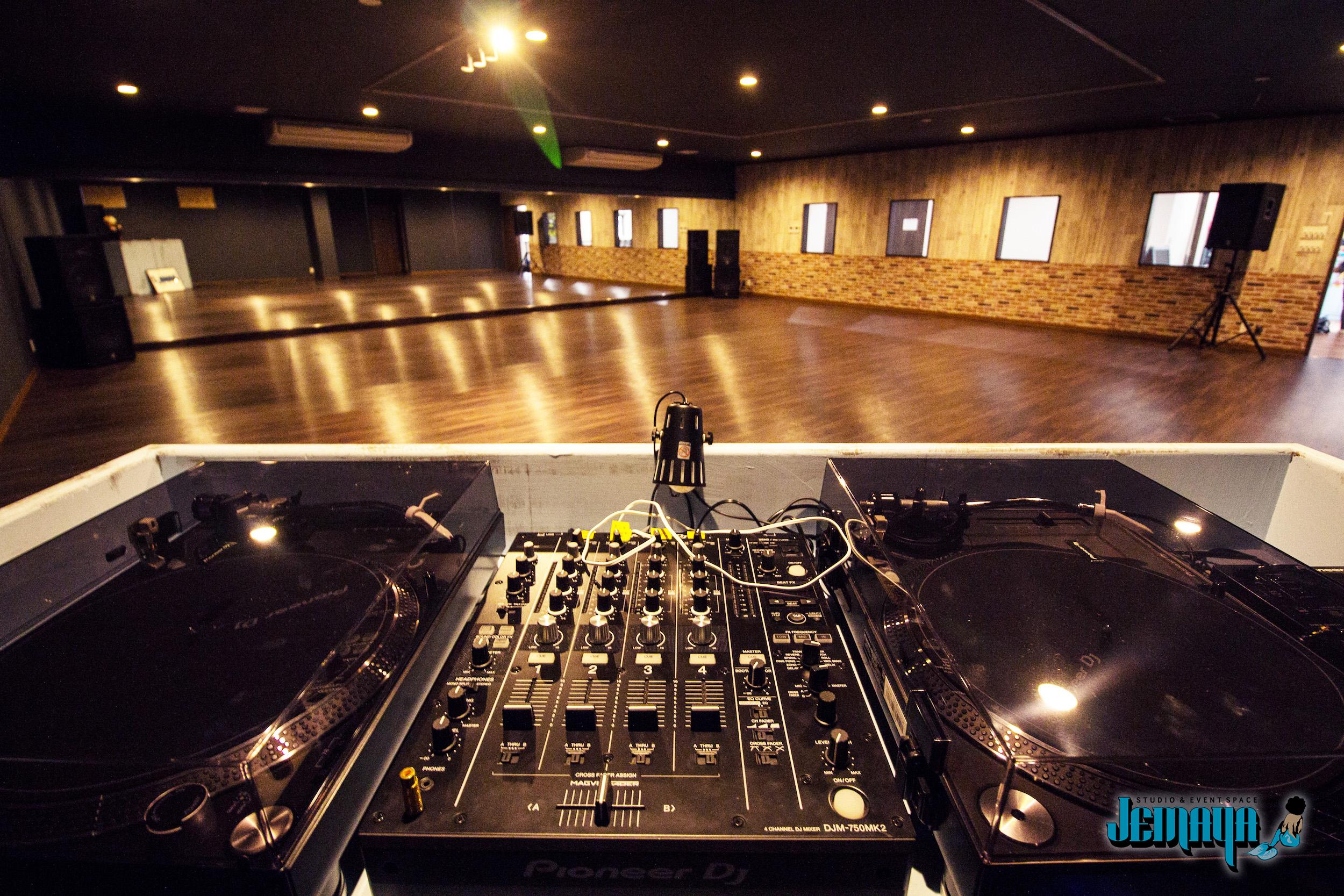 JEMAYA_studio4.jpg