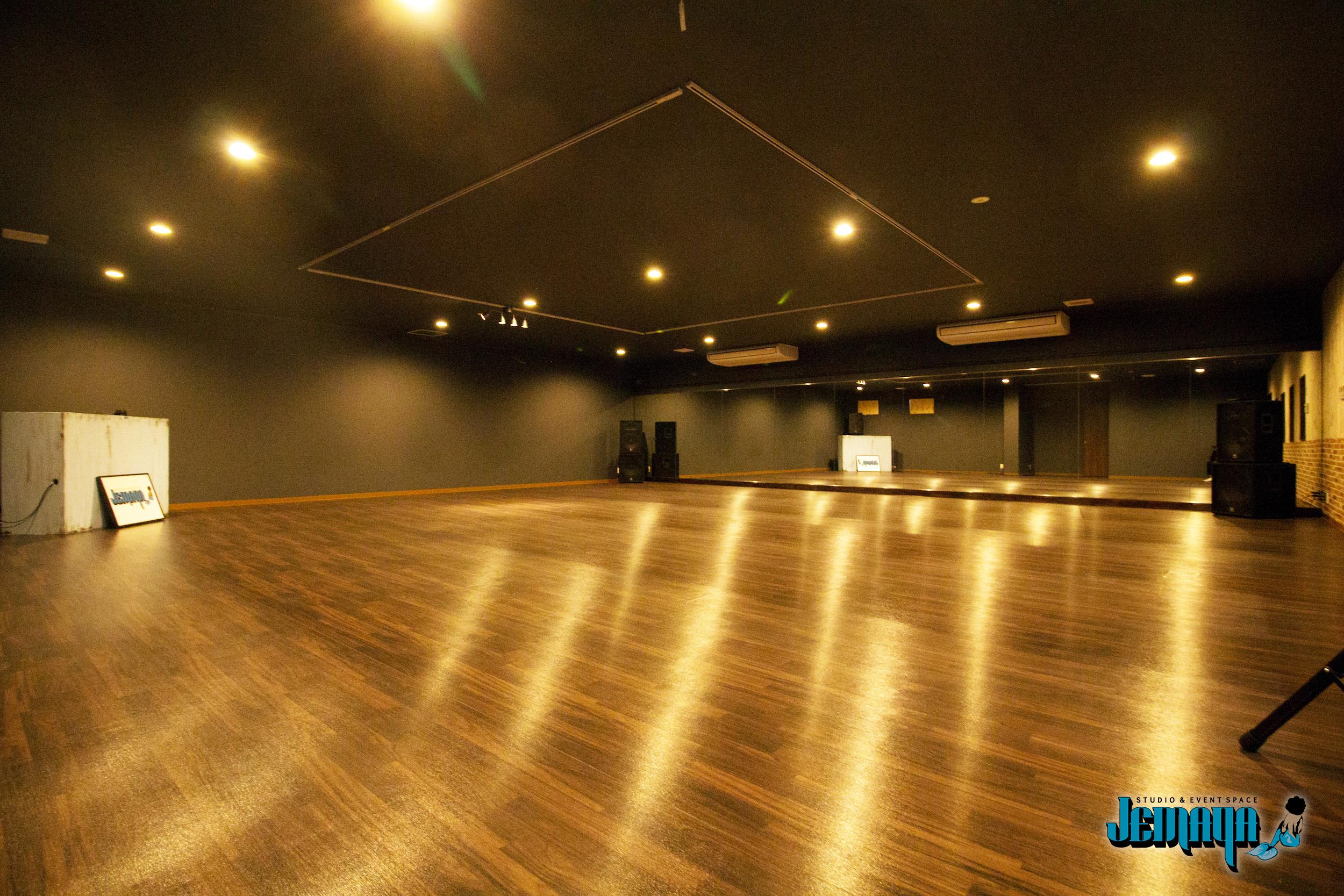 JEMAYA_studio2.jpg