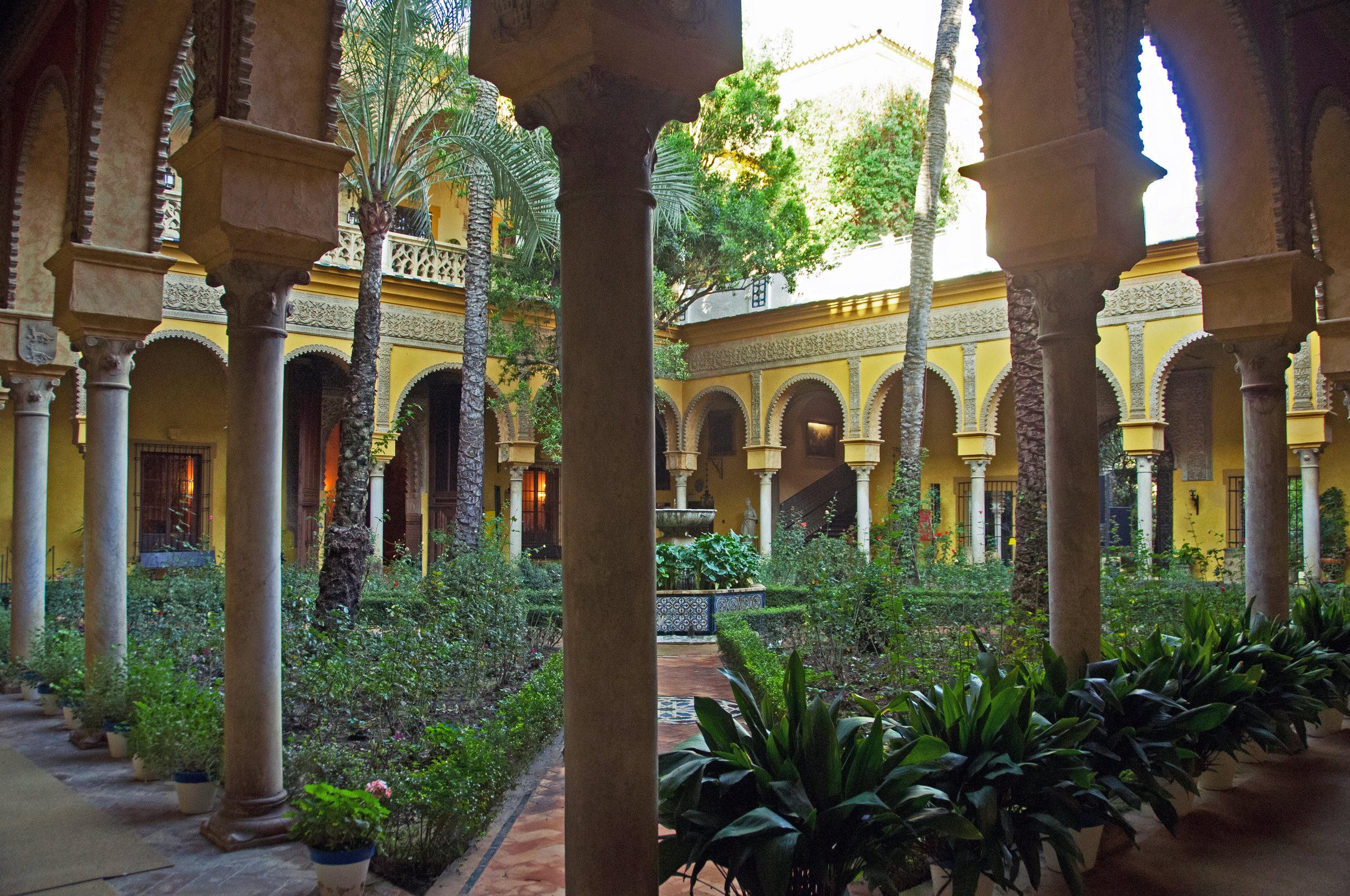 Main courtyard at Palacio de las Dueñas