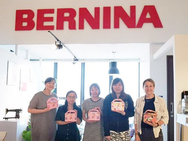 First workshop collaboration with @applelulucrafts and BERNINA! Cosmetic pouch workshop, using our new BERNINA 4 & 5 series.