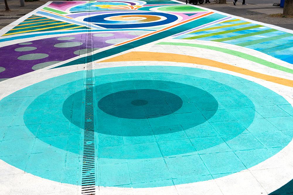 2018_08_color-swimming-pool_S.jpg