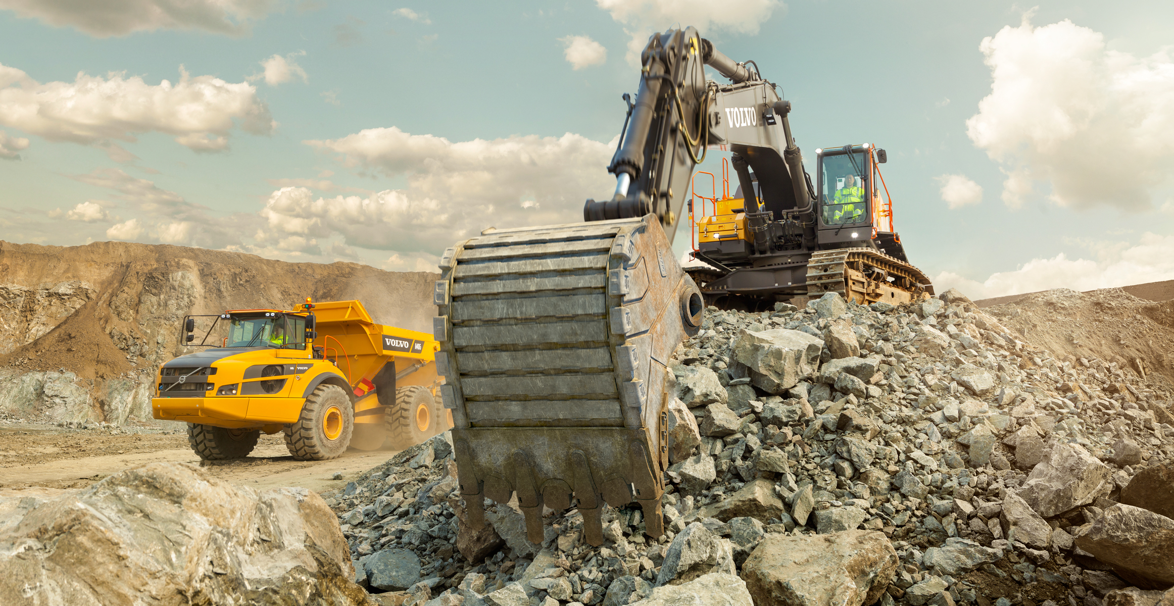 volvo-benefits-crawler-excavator-ec750e-t4f-genuinely-volvo-2324x1200.jpg