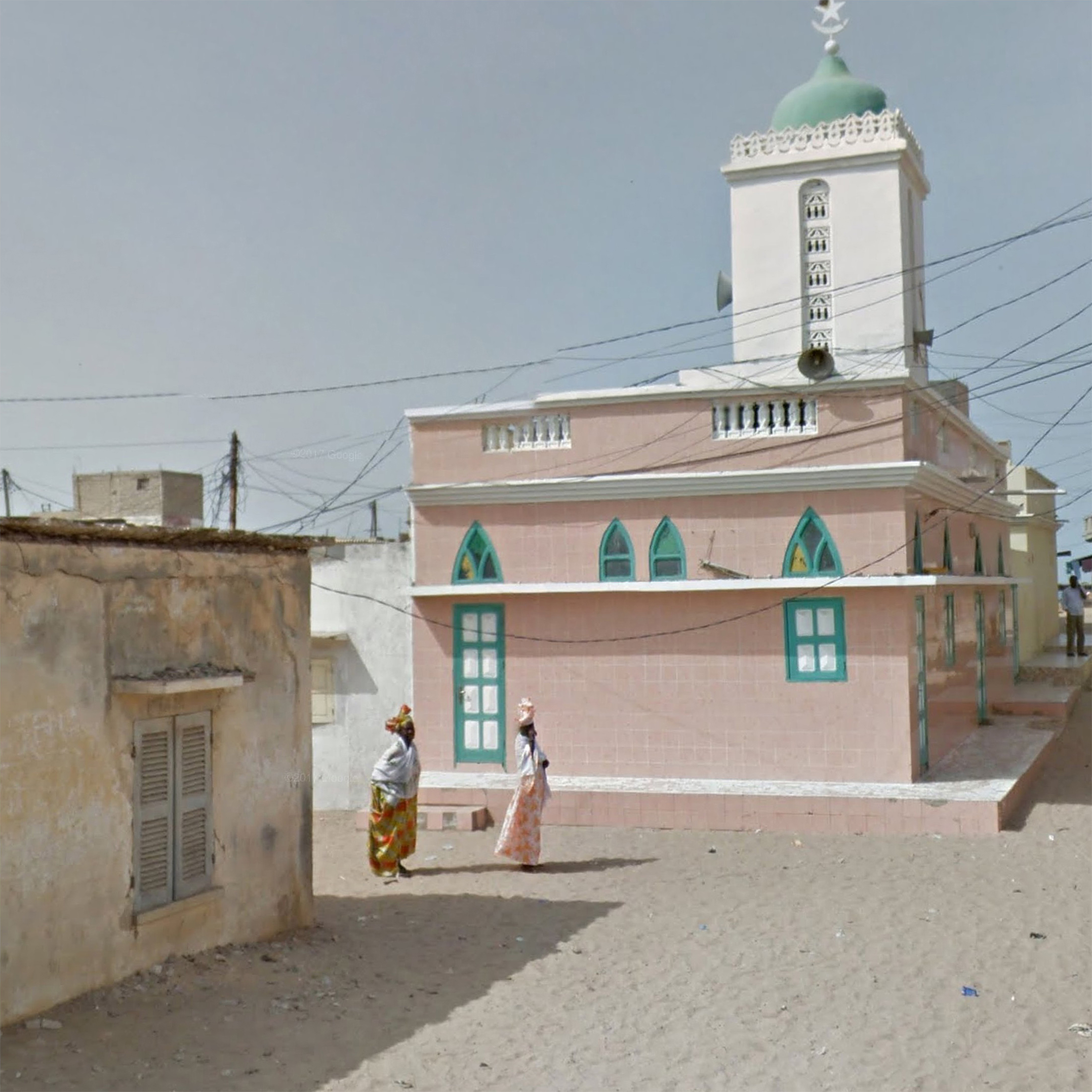 10_Ladies_outside_Mosque_Senegal.jpg