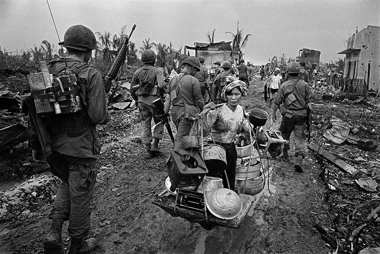 Refugee from U.S. Bombing, Saigon, 1968 © Philip Jones Griffiths / Magnum Photos
