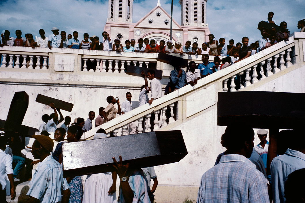 HAITI. Port-au-Prince. 1987. A memorial for victims of army violence. © Alex Webb/Magnum Photos