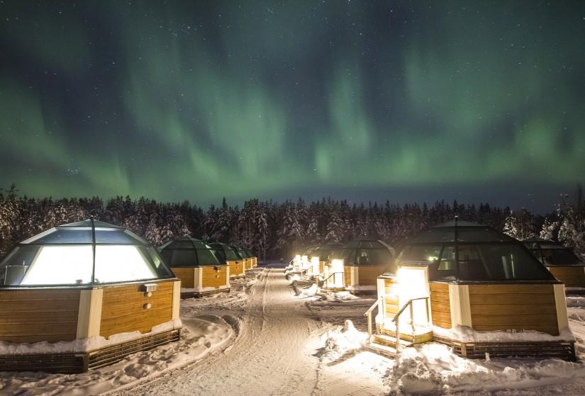 arctic glass igloo.jpg