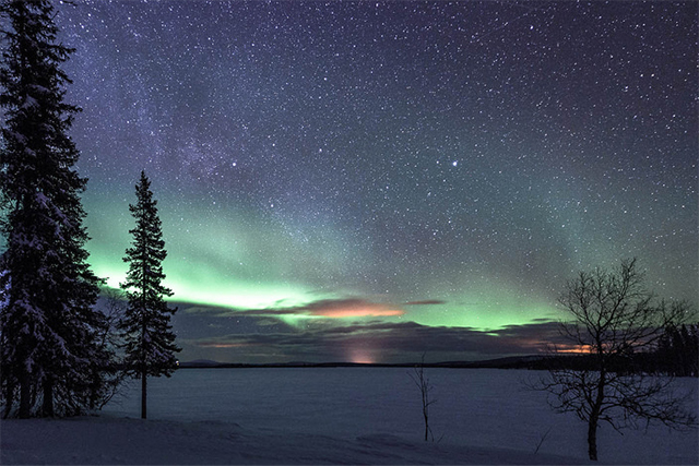 northern_lights_cropped.jpg