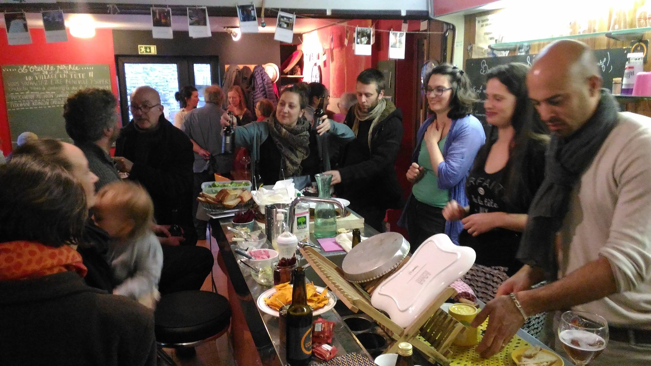 Un Vendredi au bar du ShaDOC - Crédit photo : Gaelle Manach