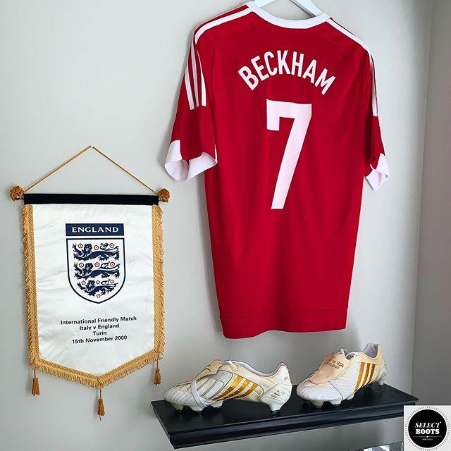 ❤️❤️❤️ The David Beckham Shrine🏴🥰😲 👏👏👏 @davidbeckham ➖➖➖ 👉Follow Me @SELECT_BOOTS👈 ✅Contact For Rare Boot Enquiries✅ 🔴Explore The Collection At SELECTBOOTS.ORG🔴 ➖➖➖ #beckham #davidbeckham #becks #adidas #adidaspredator #england #realmadrid #fifaworldcup #nikefootball #matchworn #signed #powerswerve #rare #soccer #football #futbol @nikefootball @realmadrid #bootroom #cleatstagram #pdsbootroom #soccerboots #boots #cleat @brfootball #brfootball #bleacherreport #thebeautifulgame #football #soccerskills @espnfc @socceram @foxsoccer @footballjoe @sportbible @lagalaxy @acmilan @england @manchesterunited @brooklynbeckham @unicef @adidasfootball @adidas @adidastokyo @adidasau @adidaslondon #manchesterunited #mufc #united
