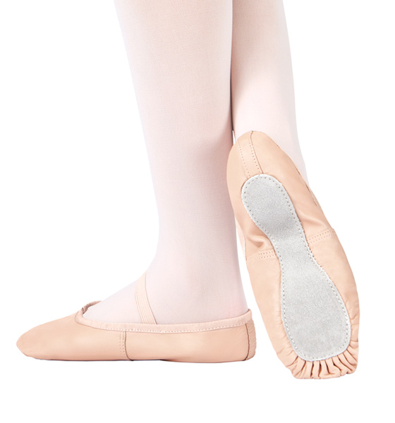 2.5 & 3's upwards   Full sole ballet shoes to be worn for all classes involving the ballet technique.