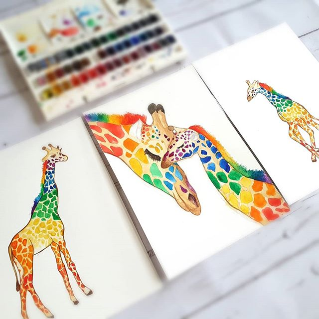 𝗪𝗵𝗮𝘁 𝗮𝗻𝗶𝗺𝗮𝗹𝘀 𝘄𝗼𝘂𝗹𝗱 𝘆𝗼𝘂 𝗹𝗶𝗸𝗲 𝘁𝗼 𝘀𝗲𝗲? ❤🧡💛💚💙💜 Progress on the set of 3 giraffe prints just awaiting more supplies to complete them 🦒