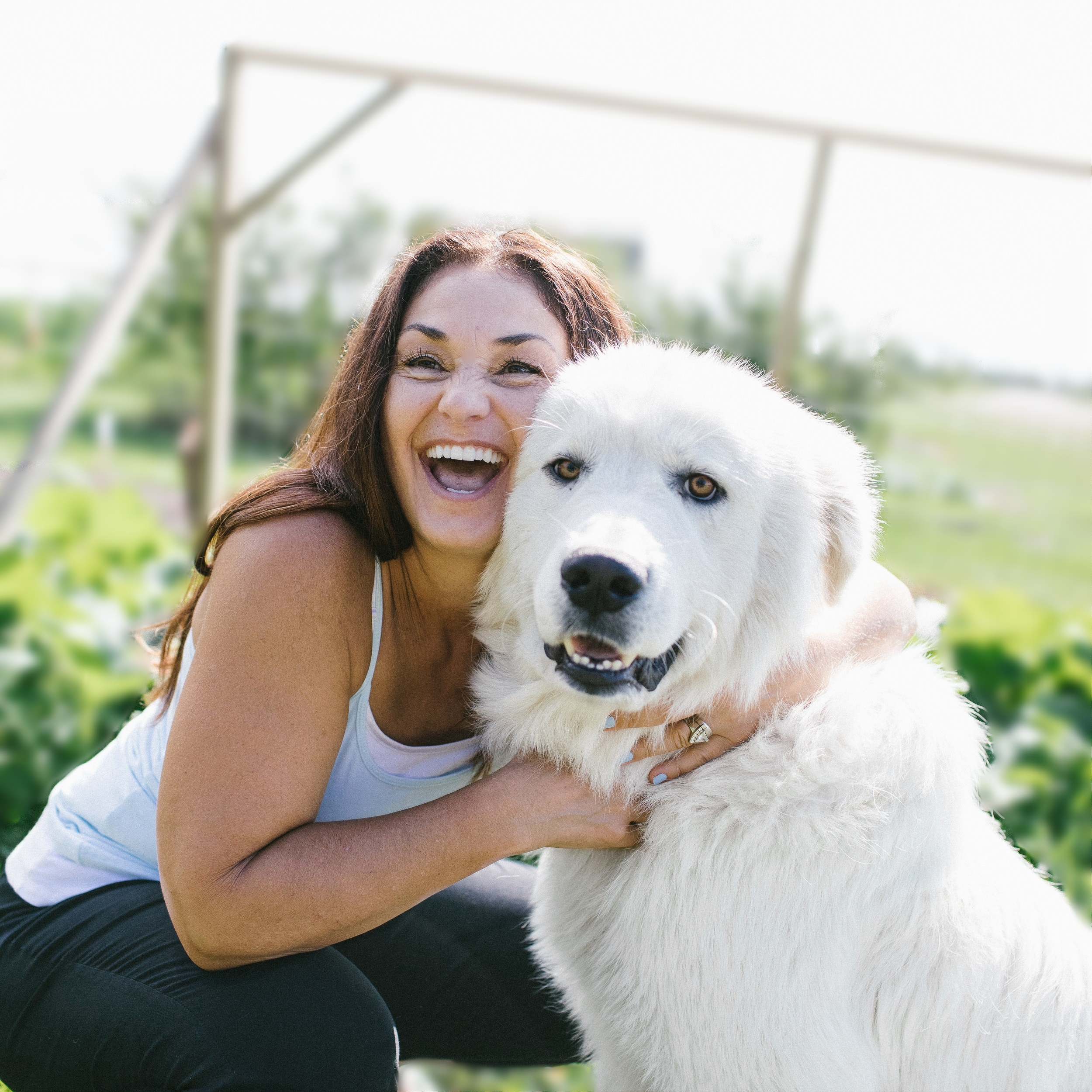 Hi there! - I'm Della, I live in the country, love elephants, writing, big white dogs, picking flowers, travel & spending time with my family.I also love yoga pants, ripple chips and working from home with cats on my lap.And, I have a passion for chakras which I turned into a booming business - how great is that?
