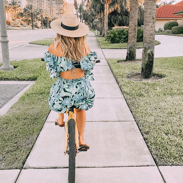 Riding into 2019 excited to start settling into our new Miami life & with some lessons from 2018. To the best year yet 🥂 HAPPY NEW YEAR!