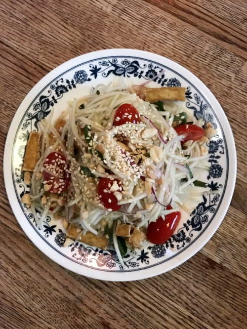 The vegan papaya salad.