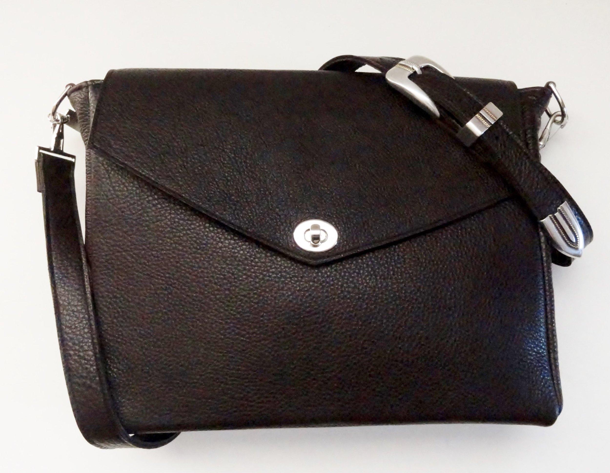 #31 UT Signal Bag $825.JPG