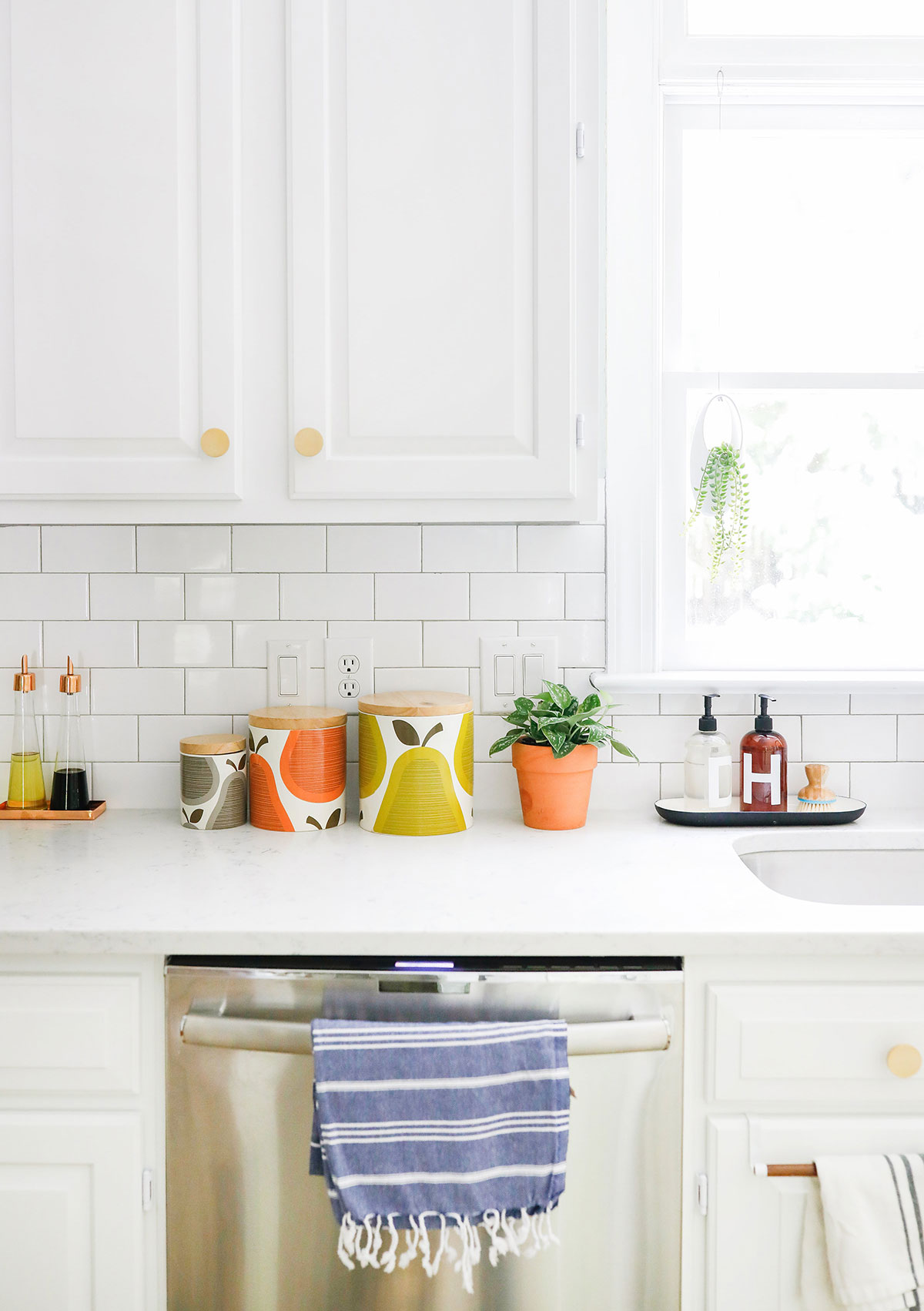 white-kitchen-1.jpg