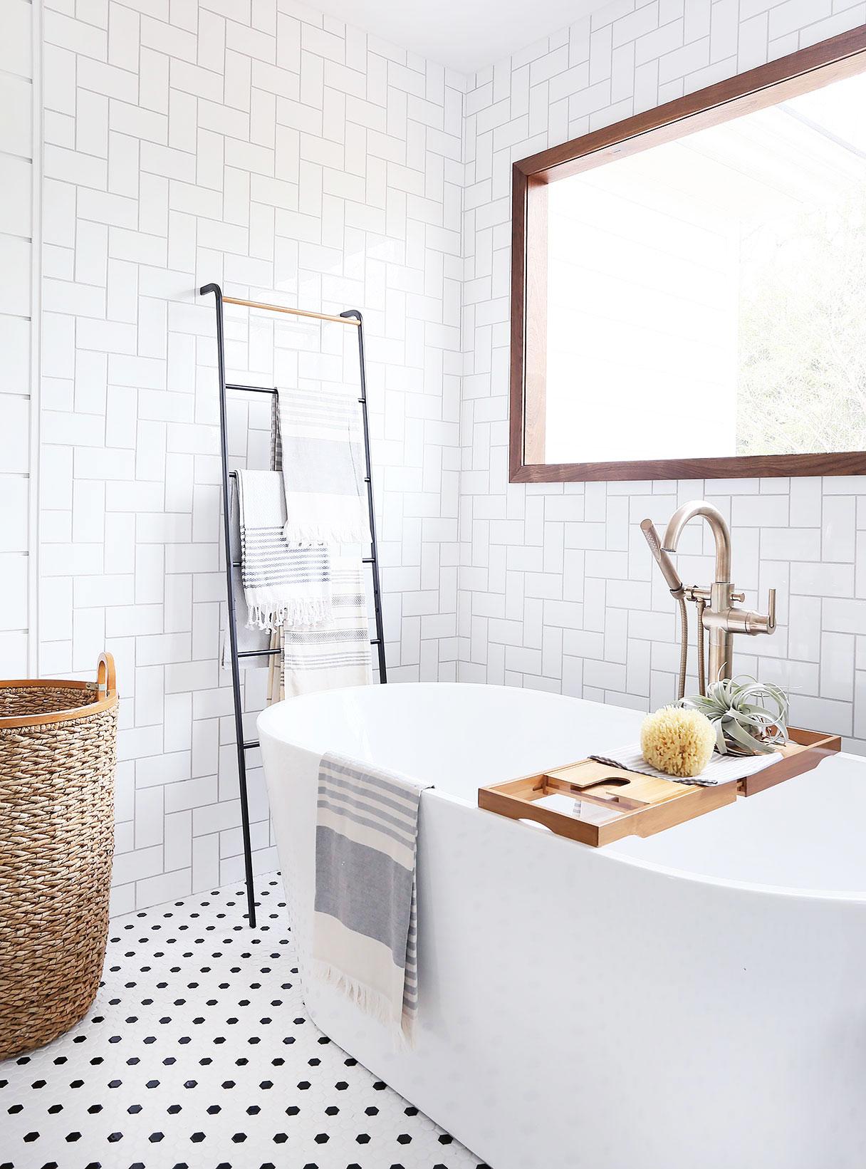 bath-corner.jpg