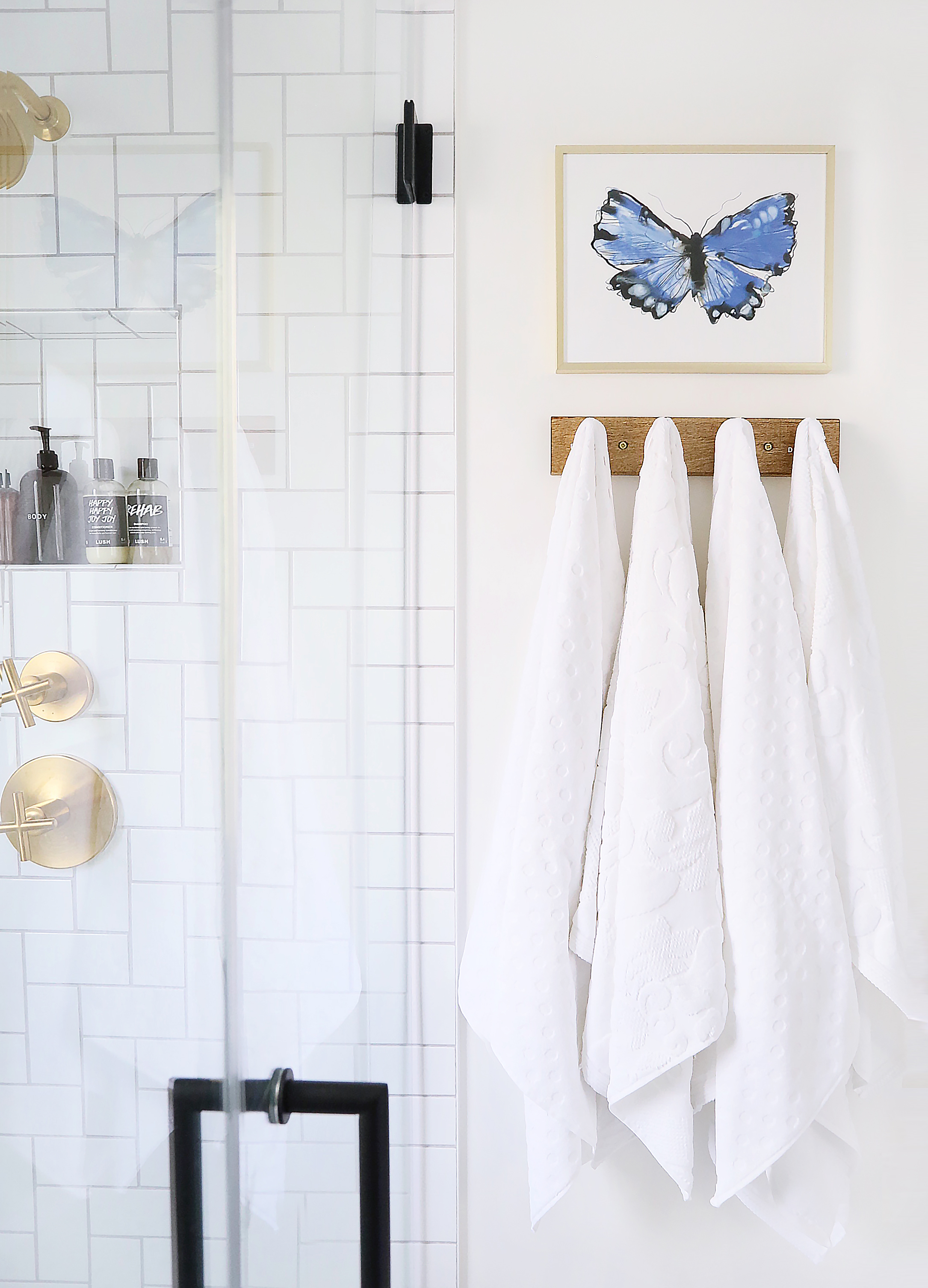 Towels / Towel Rack / Butterfly Print