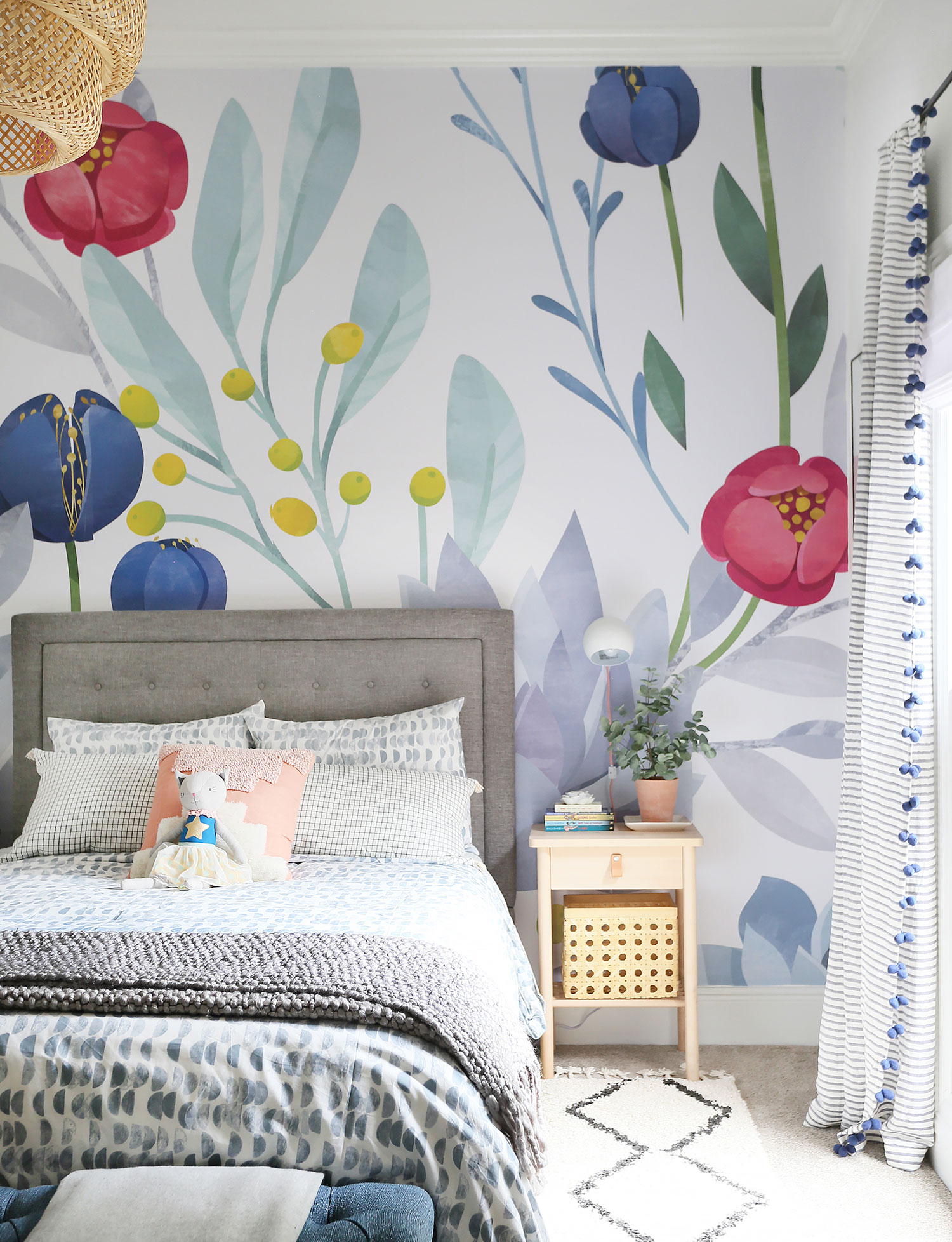A HAPPY & BOHO KID'S ROOM