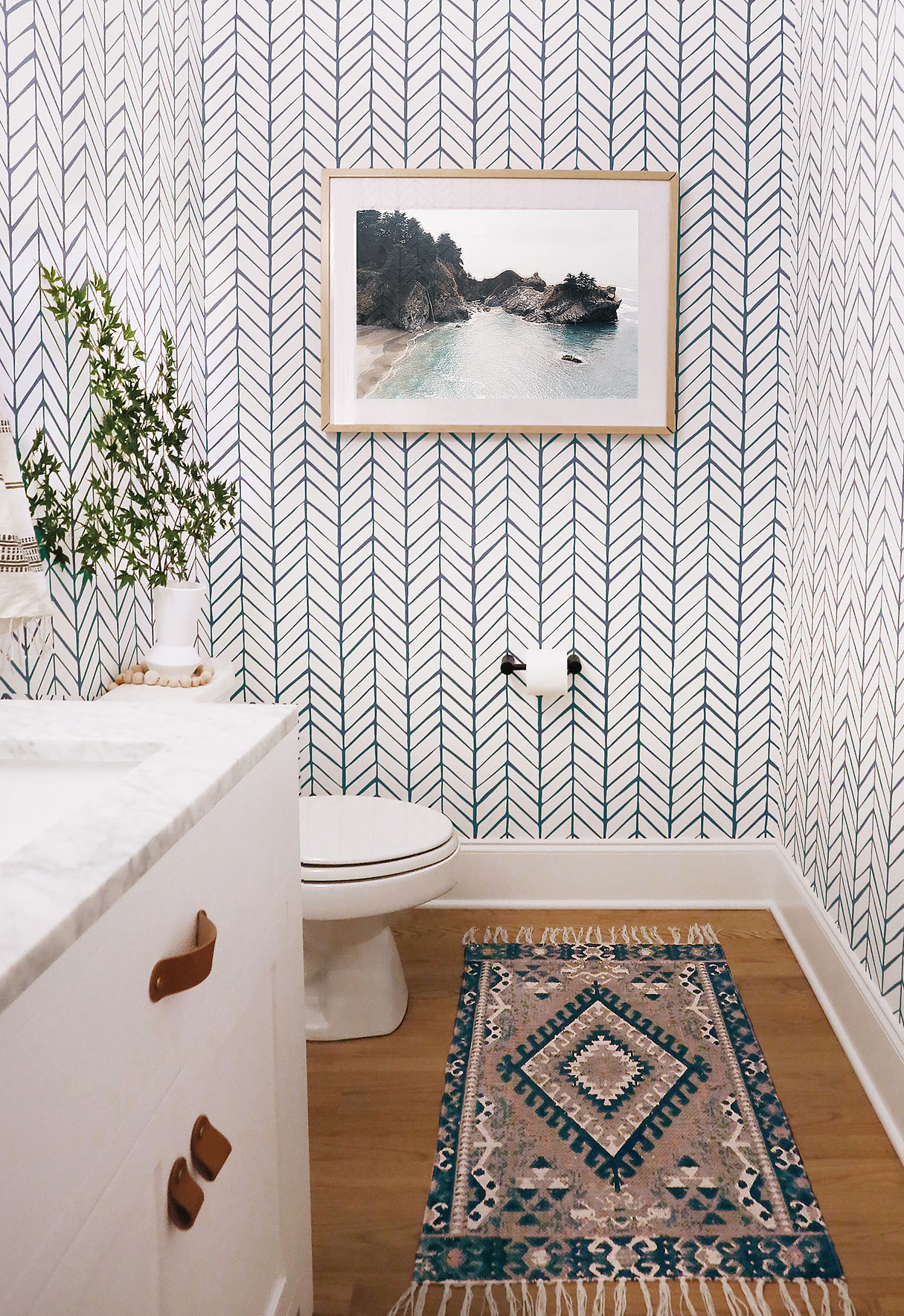 A PLAYFUL POWDER ROOM