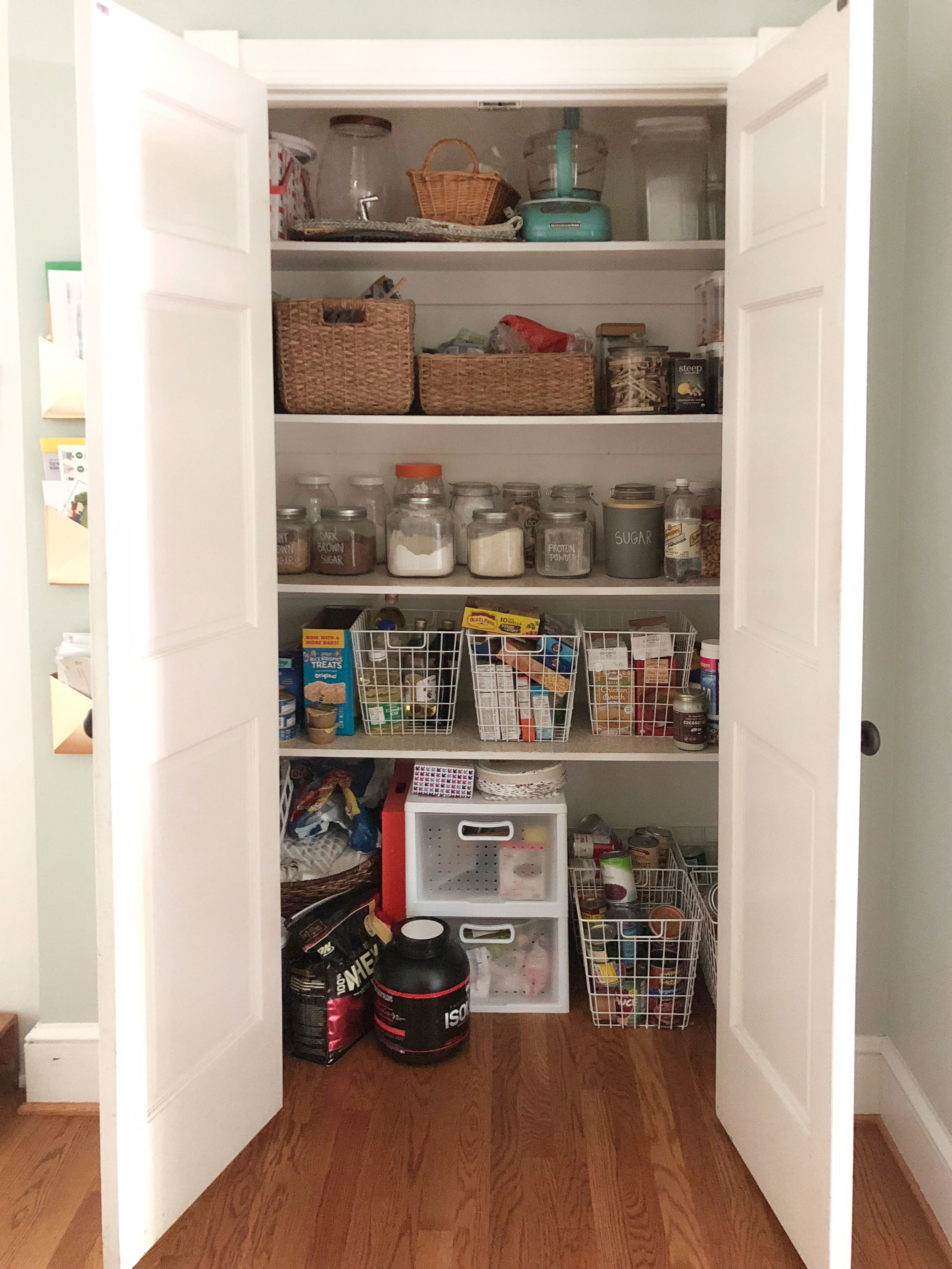 pantry-before.jpg