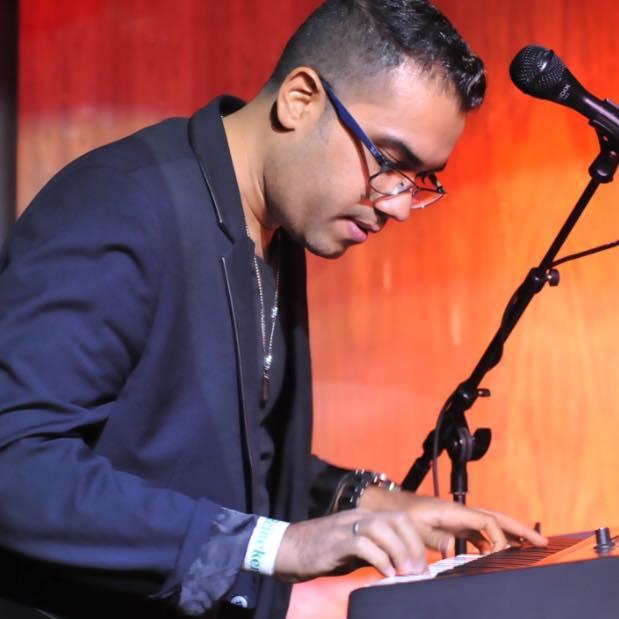 Natanael Molina, piano