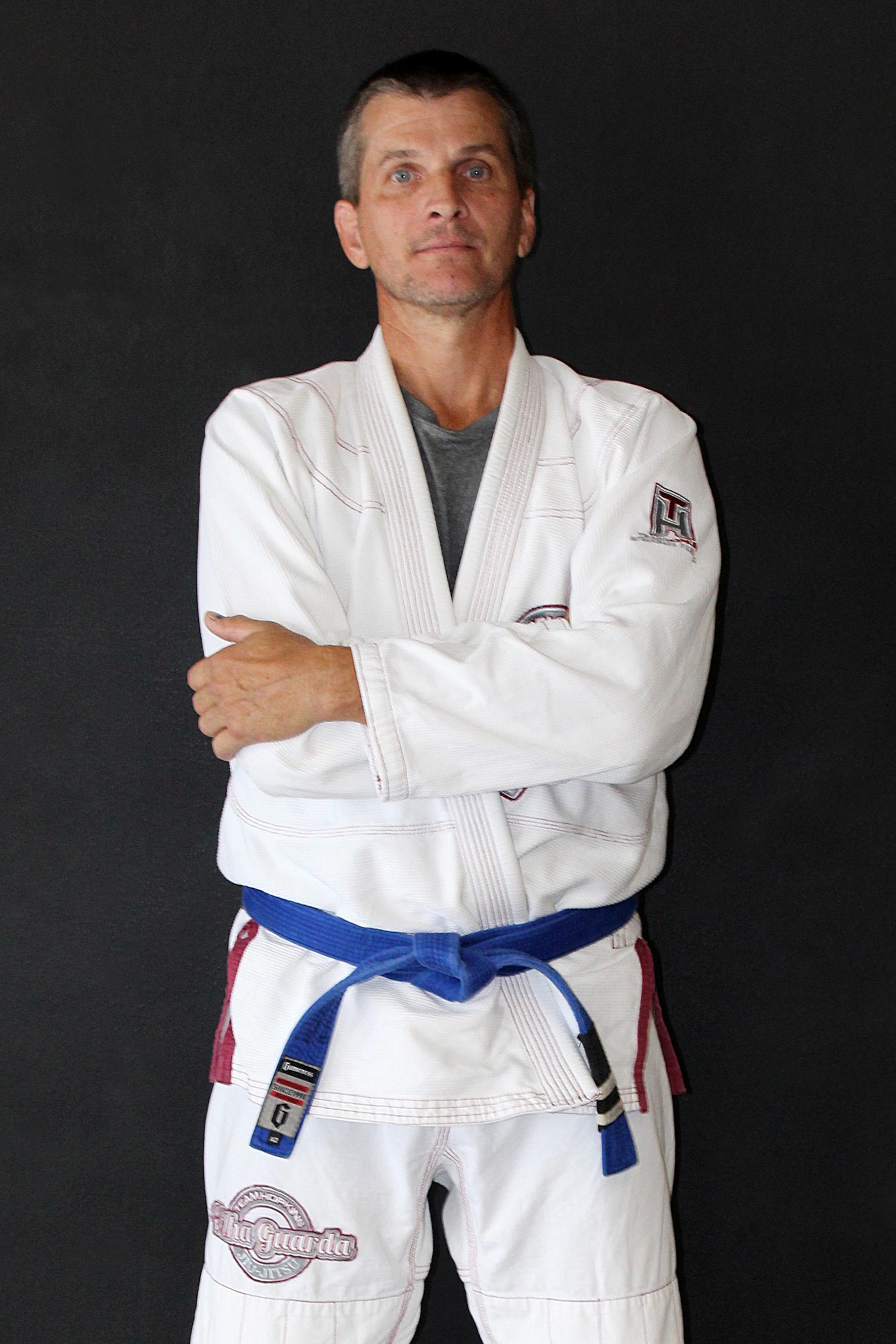 David Hollingsworth - InstructorDavid is a Gracie Jiu-Jitsu Blue Belt under Black Belt Mike Braswell.