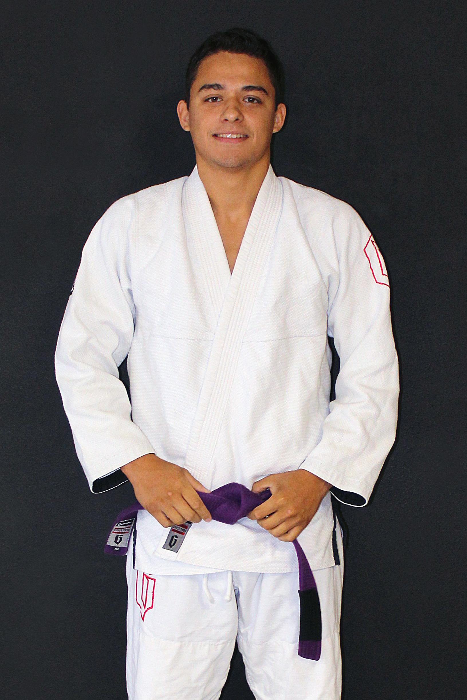 Frank Ortiz - InstructorFrank is a Gracie Jiu-Jitsu Purple Belt under Black Belt Mike Braswell.