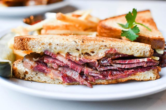 It's a Reuben's world and we're all just livin' in it. #droolworthy #whatsforlunch