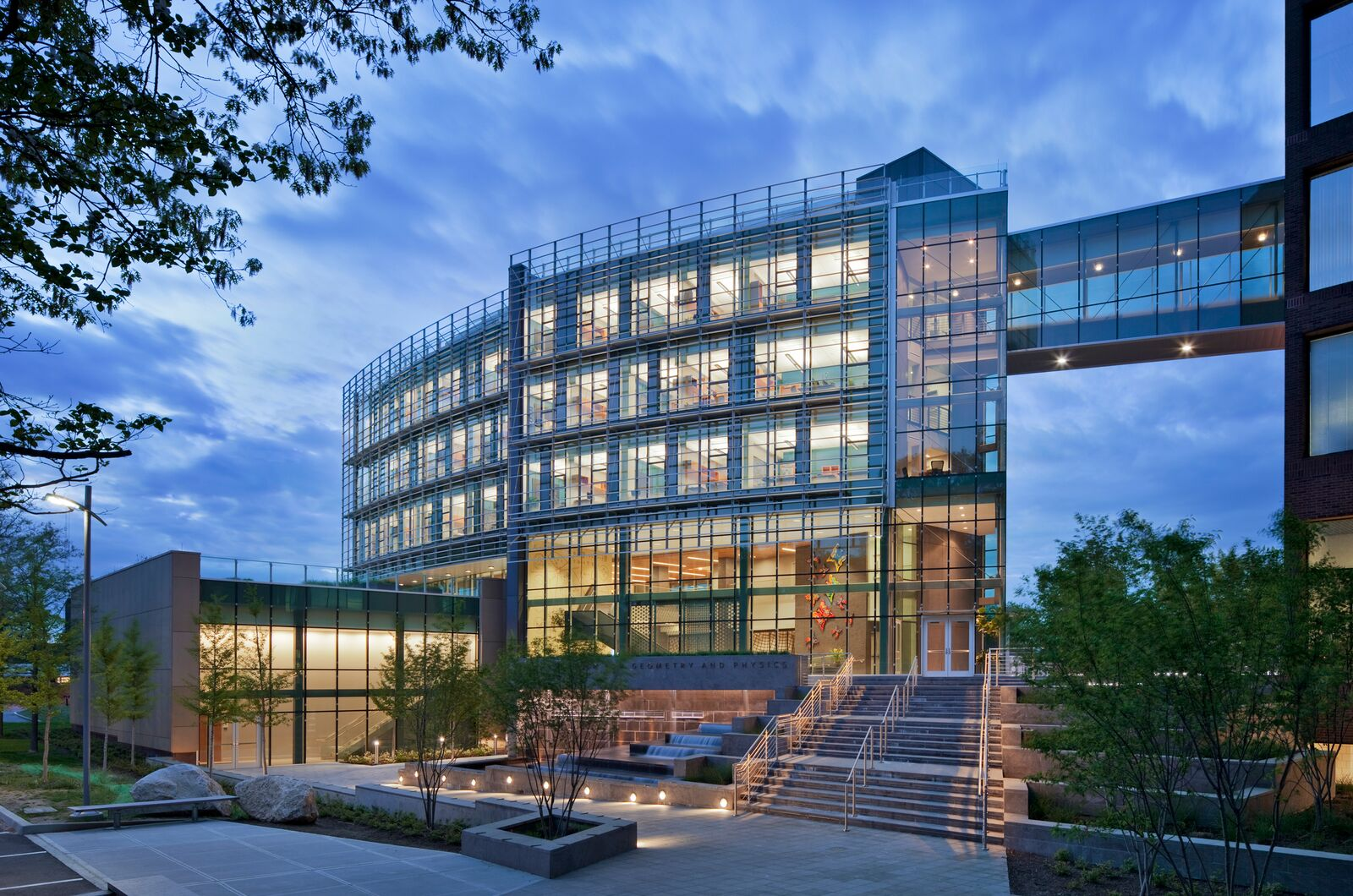 Excellent Value - VS1 achieves a minimization of metal in the facade solution and uses standardized components, resulting in cost effective solutions competitive with four-side flush conventional curtain walls. VS1 also allows for future accessorizing of installed walls to improve performance and make use of new technologies.Pictured: Simons Center at Stony Brook University