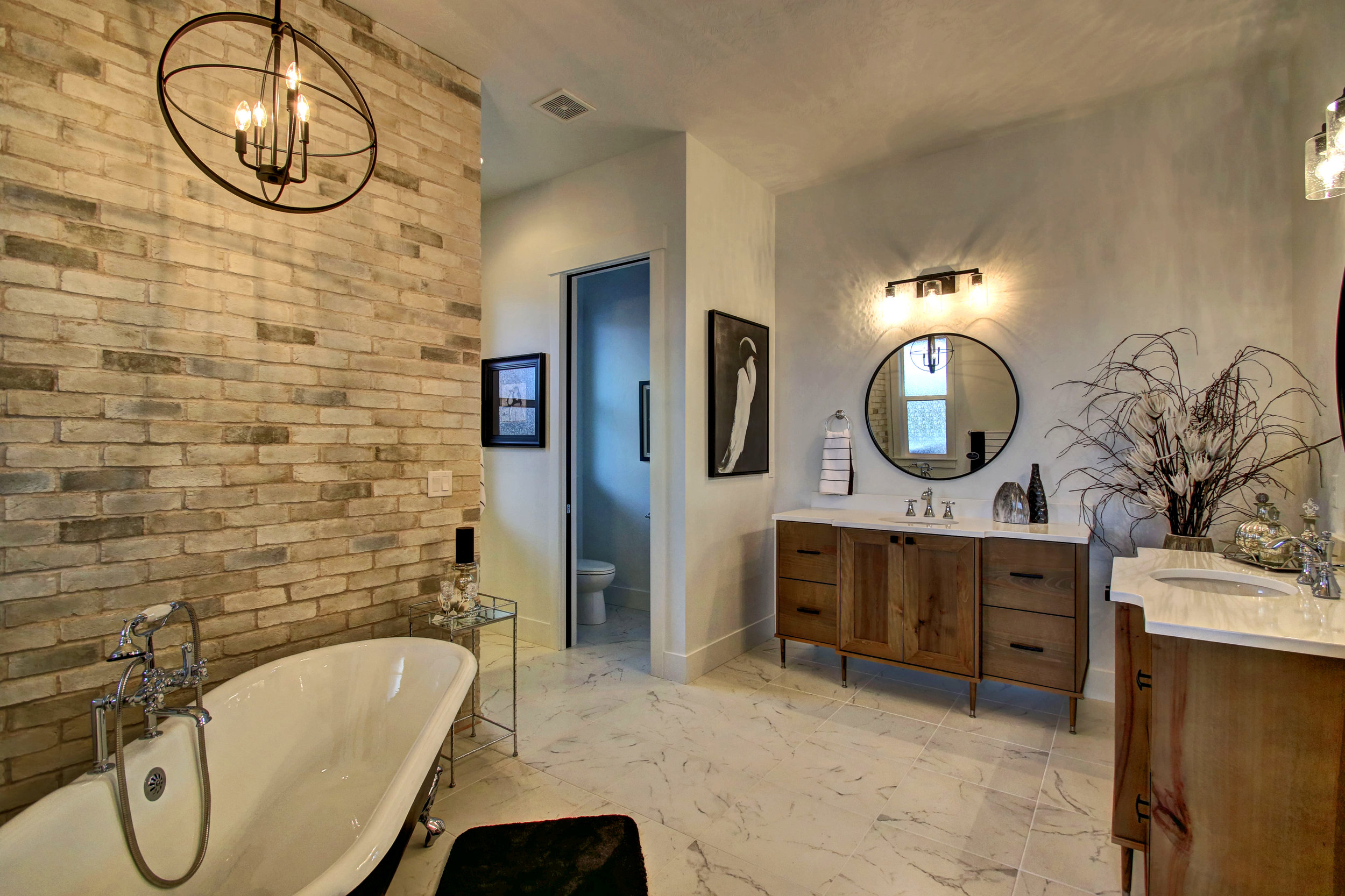 heron point master bath.jpg