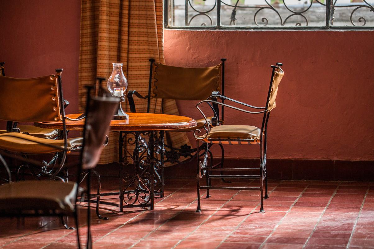 hotel_el_atascadero_bar.png