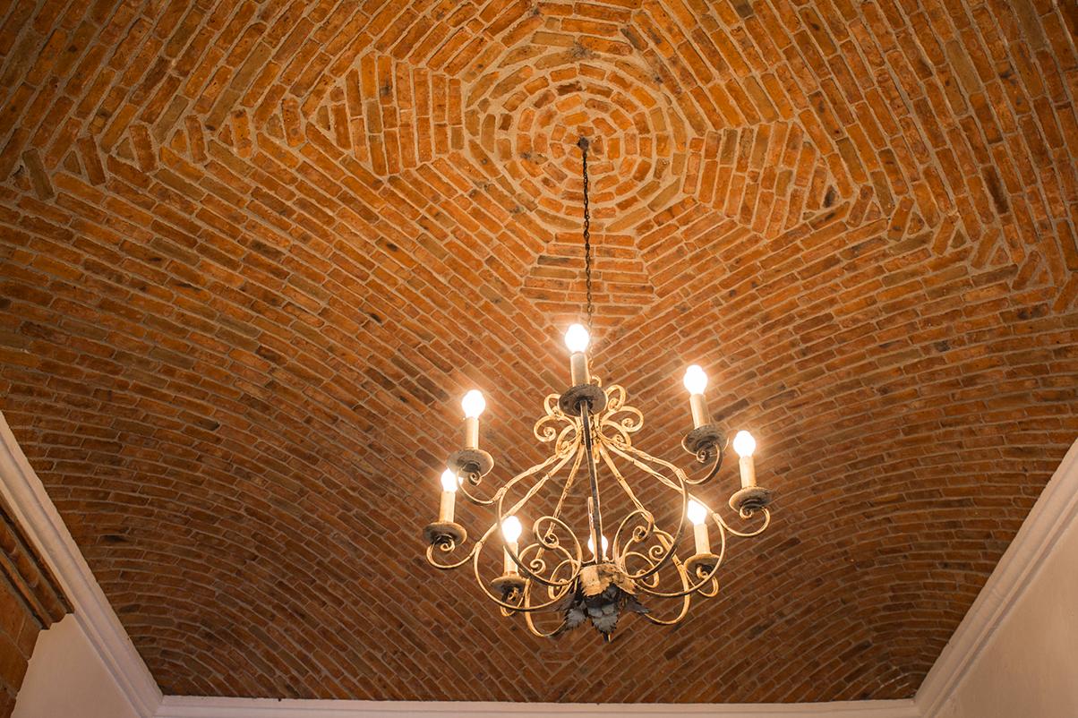 hotel_el_atascadero_chandelier.png