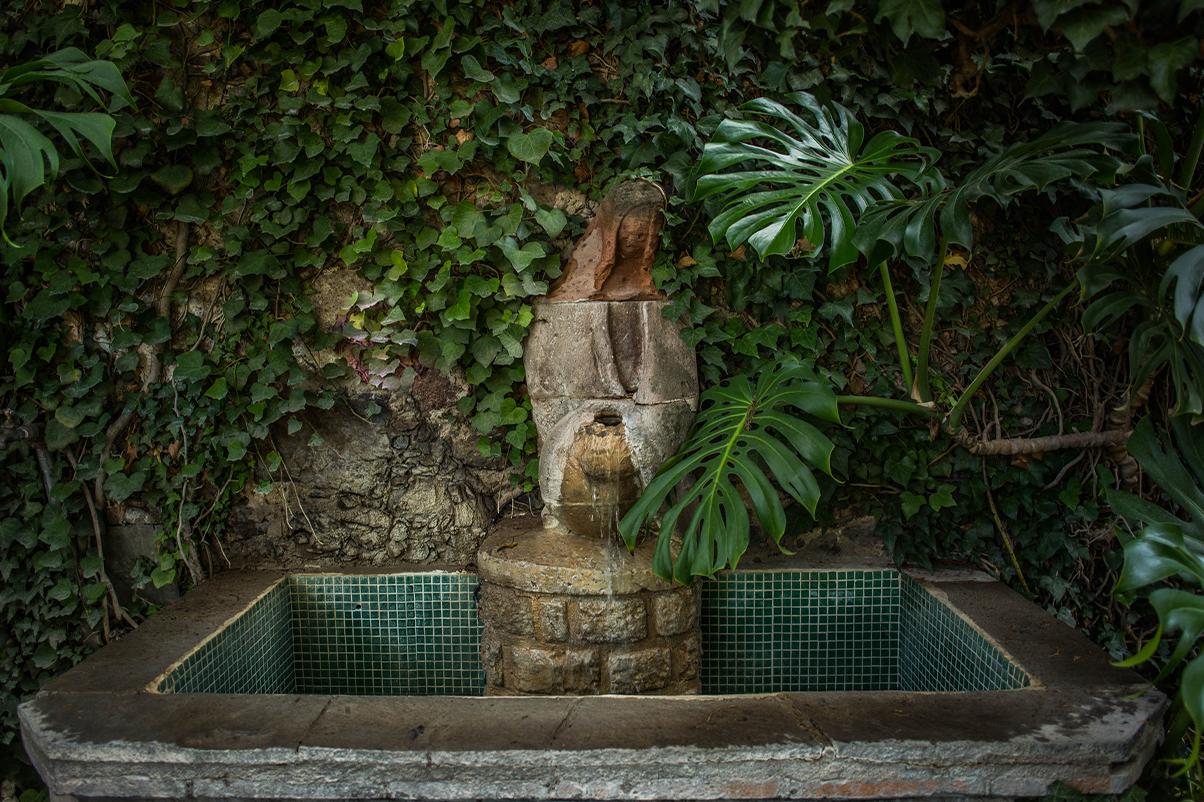 hotel_el_atascadero_fountain.png