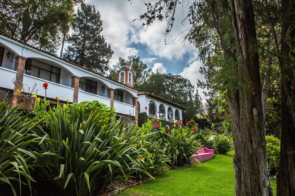 hotel_el_atascadero_garden.png