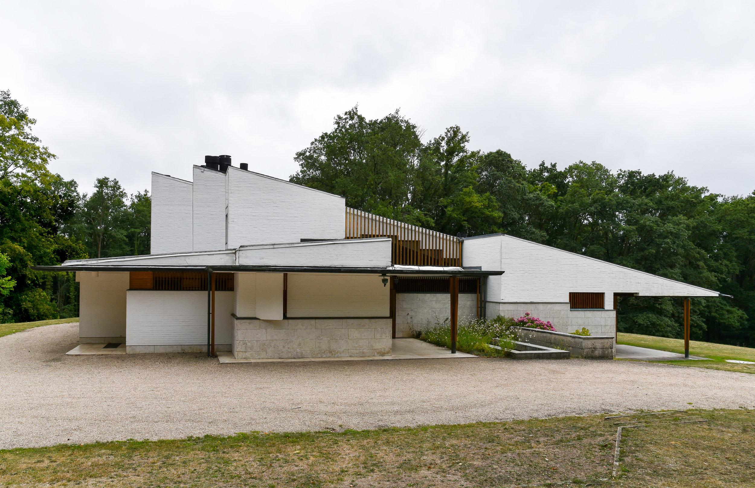 Maison louis Carré, north side
