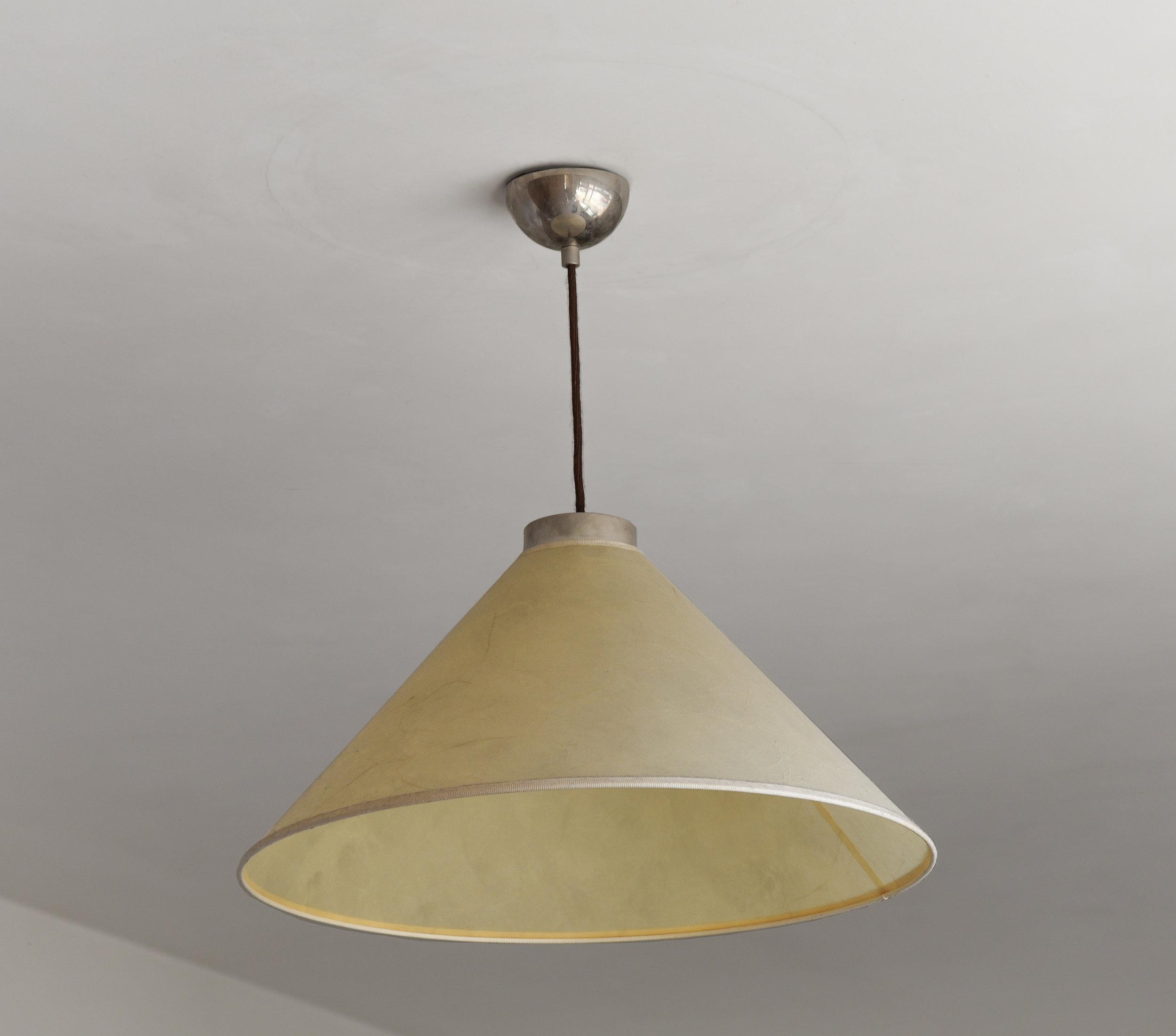 SINGULAR LAMP, DAUGHTER'S ROOM